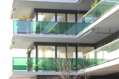 Nepomuk Dornach, Verglasung Balkon